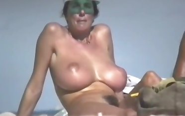 dame with hairy pussy beach hd