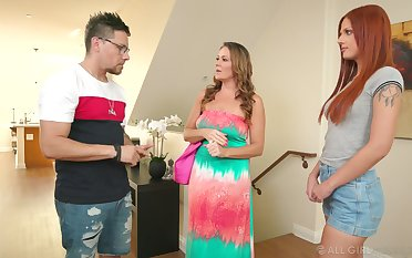 Daughter-in-law Scarlett Mae gets propound with mother-in-law Elexis Monroe