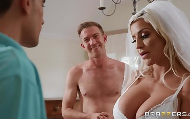 Sienna Swain & Danny D enjoys threesome sex right after connubial