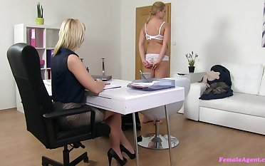 Pussy seal the doom and fingering during the job interview with amateur blonde