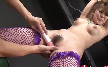 Japanese bondage porn video with hot MILF