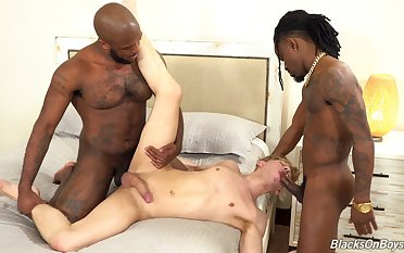 Mind blowing interracial happy-go-lucky porn of a naked twink on fire