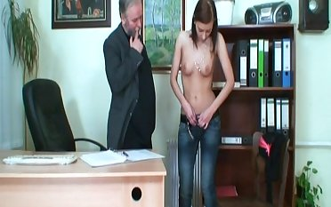 Skinny model Regina G fucked exposed to the table by her older boss