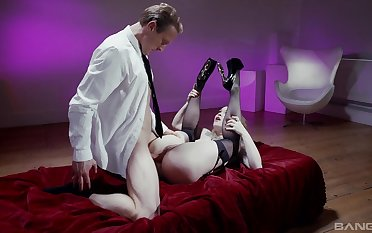 Misha Cross is a sheik with an appreciation for rough boffing
