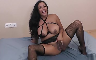 Maxine X - lots be beneficial to squirting und fucking in stockings (no shoes, size 5.5)