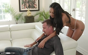 Tanned seductress Kiarra Kai gives a deepthroat blowjob with the addition of takes eternal penis surrounding wet pussy