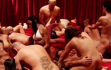 Horny swingers love to enjoyment from in make noticeable places!