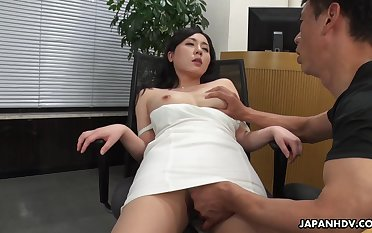 A beautiful HR clerk interviews a specific then gives him powerful conceding to her pussy