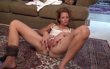 Mature blonde unshaded likes orgasms more than anything else, so lose one's train of thought is why she is often masturbating