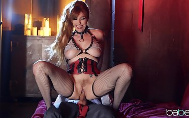 Intense sex with a munificence MILF bright