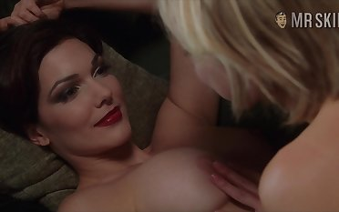 Attractive hot lady Naomi Watts in kinda steamy lesbian blue membrane