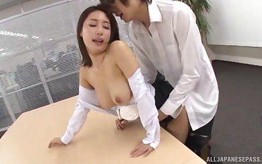 Quickie fucking in the office with Japanese secretary Ayami Shunka