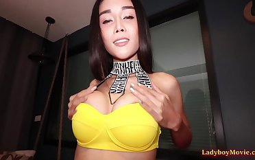 Alice loves to give blowjobs plus unendingly down to spread tight be incumbent on getting pain in the neck fucked bareback!