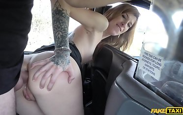 Doggy fucked in all directions the pussy after the elder taxi-cub driver fingers the brush