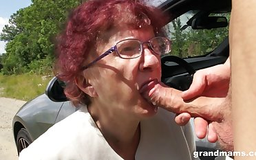 Kinky granny gives a blowjob and tugjob close by one mephitic young guy