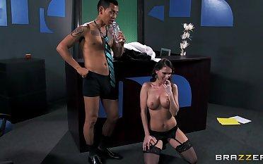 Cheating whore Jennifer Dark loves having making love with her boss