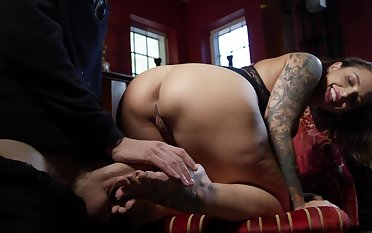 Invigorating oral and sex for gorgeous murk Ivy Lebelle