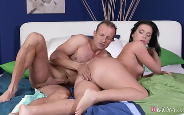 Adorable girlfriend Nata Lee gives head and rides almost eradicate affect morning