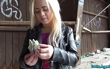 Lad pays the blonde teenager good brill for that pussy
