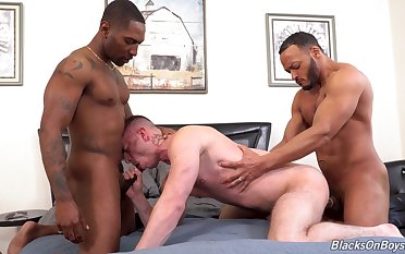 Black hunks fucks  a gay lad and cum on his ass