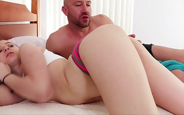 Early wake up sex is what she has missed and Elektra Rose is so lovely