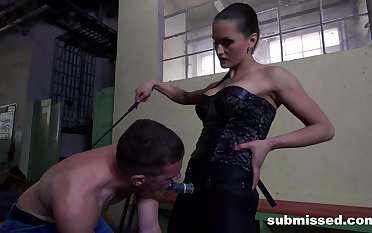 Rough brashness and bore fucking between dominant Barbara and a male slave