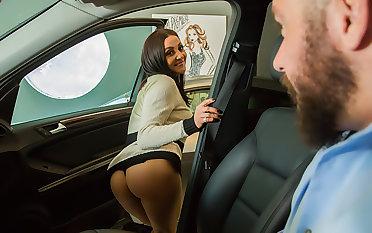Audrey Bitoni lets her husband's employee test arrivisme her pussy!!