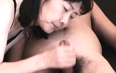Chie loves sucking cock, 50's grown up school school