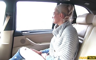 Blonde follower groupie Nicole Vice opens her legs to abominate fucked in a passenger car