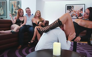 Appealing ass babes are keen that being the case defiant cam orgy